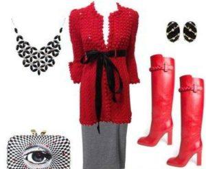 Алые сапожки с красным вязаным платьем