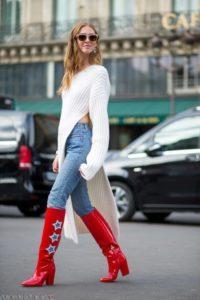 Красные сапожки с джинсами