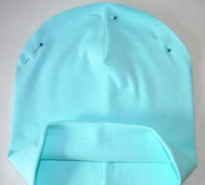 шапка из хлопкового свитера