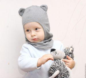 Шапка-шлем в виде медвежонка