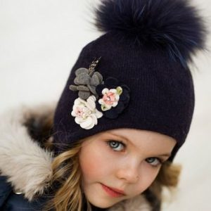 Черная детская шапка с ушками