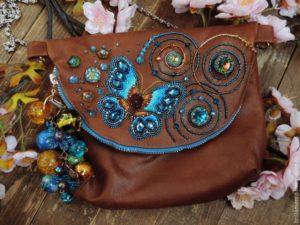 Ленты, искусственные цветы, бисер и пайетки