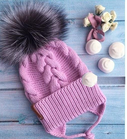 Детская розовая шапочка с помпоном