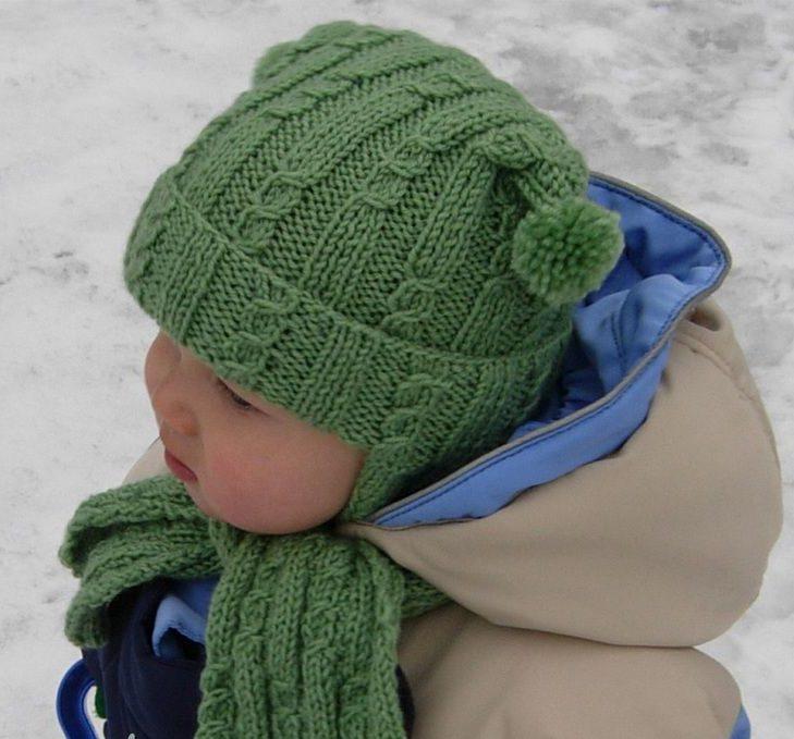 Детская зеленая шапка с ушками