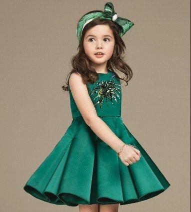 Детское зеленое платье