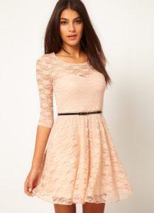 платье из гипюра с ремешком