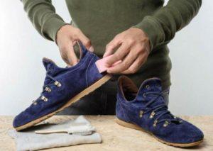 Губкой чистить кроссовки