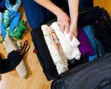 складываем вещи в сумку