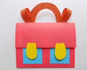 Красный портфель для куклы
