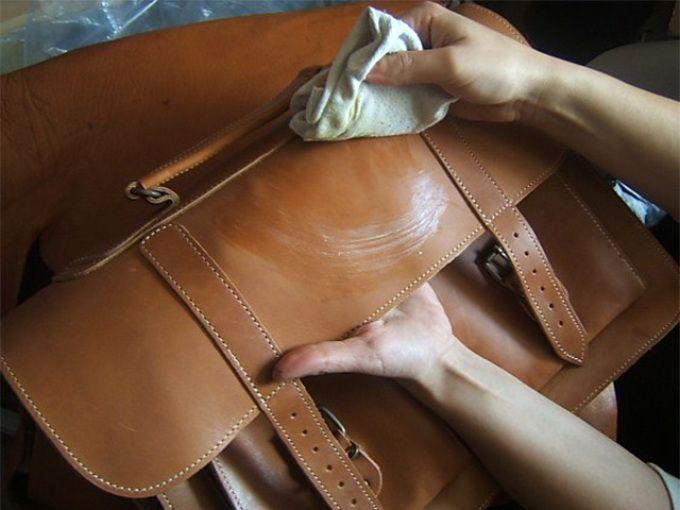 Чистка сумки от чернил жидки ммылом