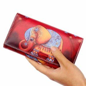 красный кошелек со слоном