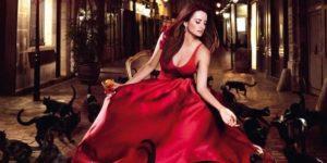 свадбеное атласное красное платье
