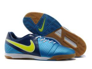 Отличия обуви для мини-футбола