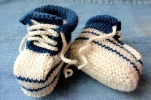 Сине-белые пинетки кроссовки
