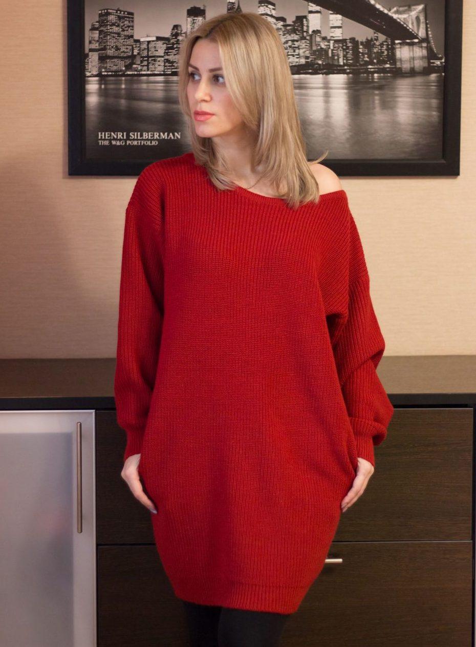 Красное платье оверсайз