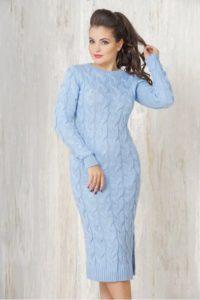 голубое платье с косами