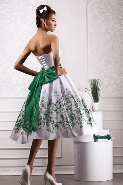 Классический бант на поясе платья
