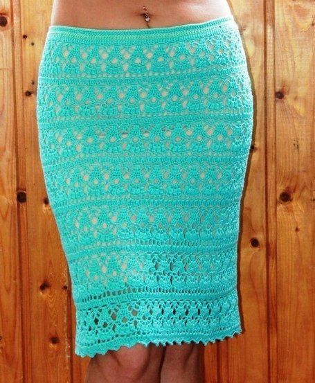 Светло-зеленая прямая юбка с крючком