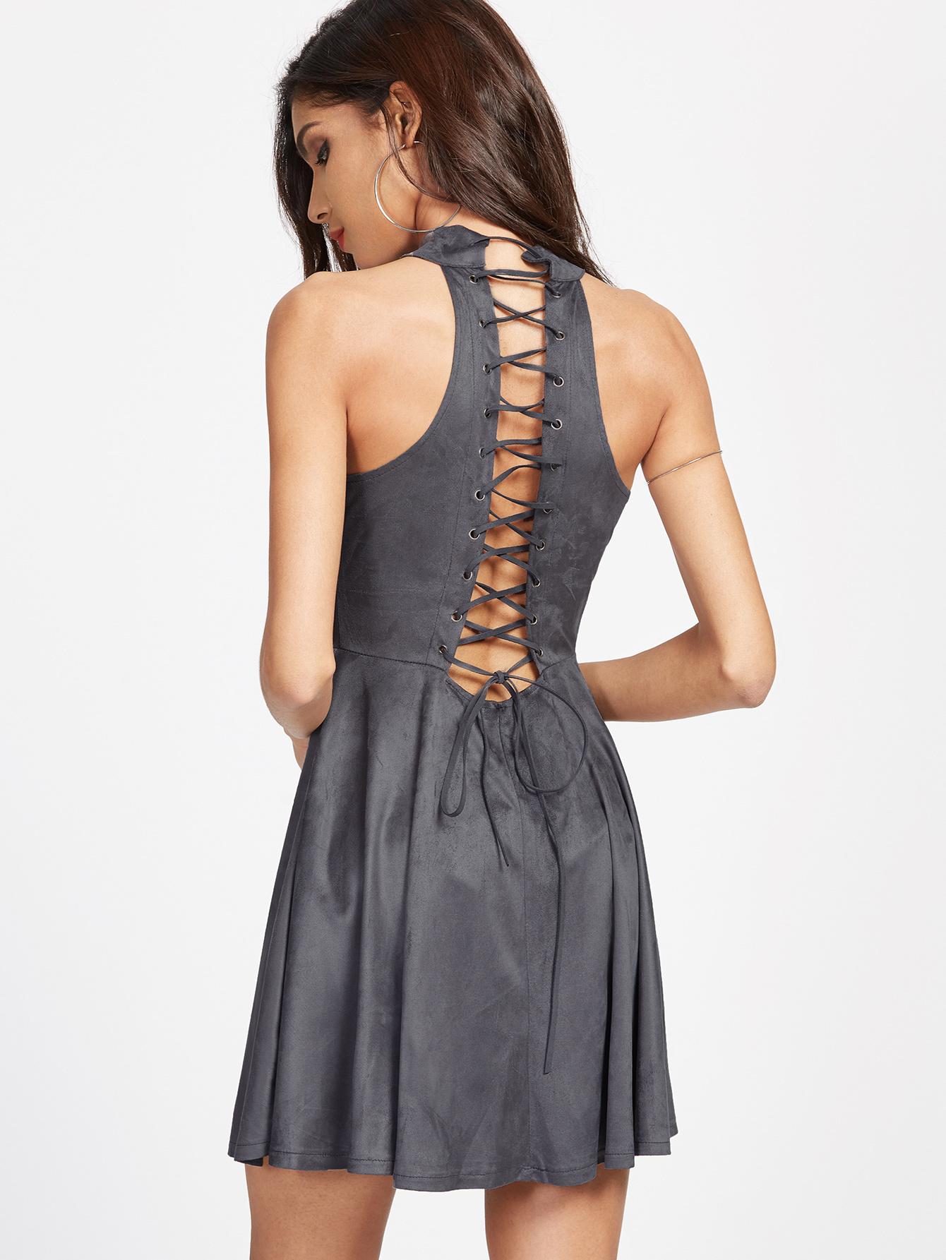 Расширить серое платье шнуровкой сзади