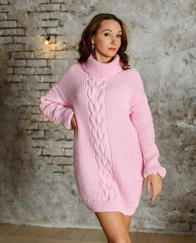Розовое платье свитер модель 1
