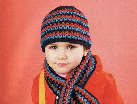 зимняя теплая шапка и шарфик для мальчика