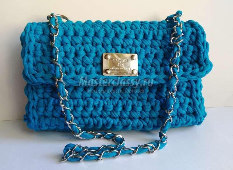 Синяя сумка крючком
