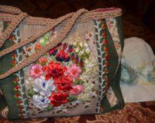 Вышивка на старой сумке