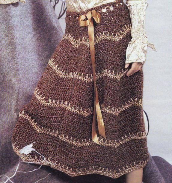 Коричневая вязаная юбка крючком