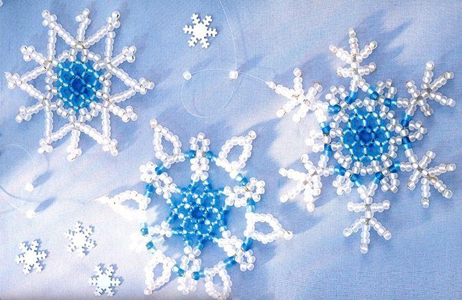снежинки на детское платье из бисера 2