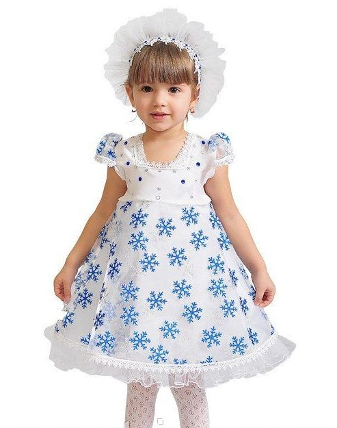пластмассовые синие снежинки на детское платье