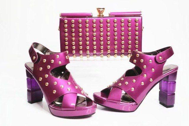 Клатч с обувью одного цвета - розовый