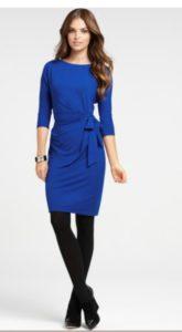 черные колготки под синее платье