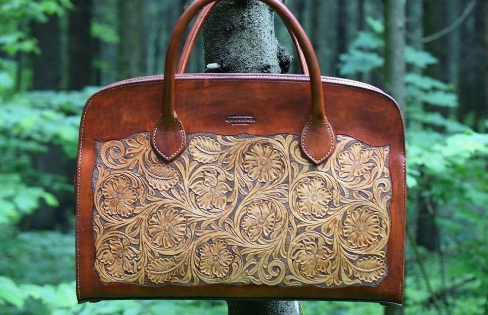 Комбинированная сумка с теснением
