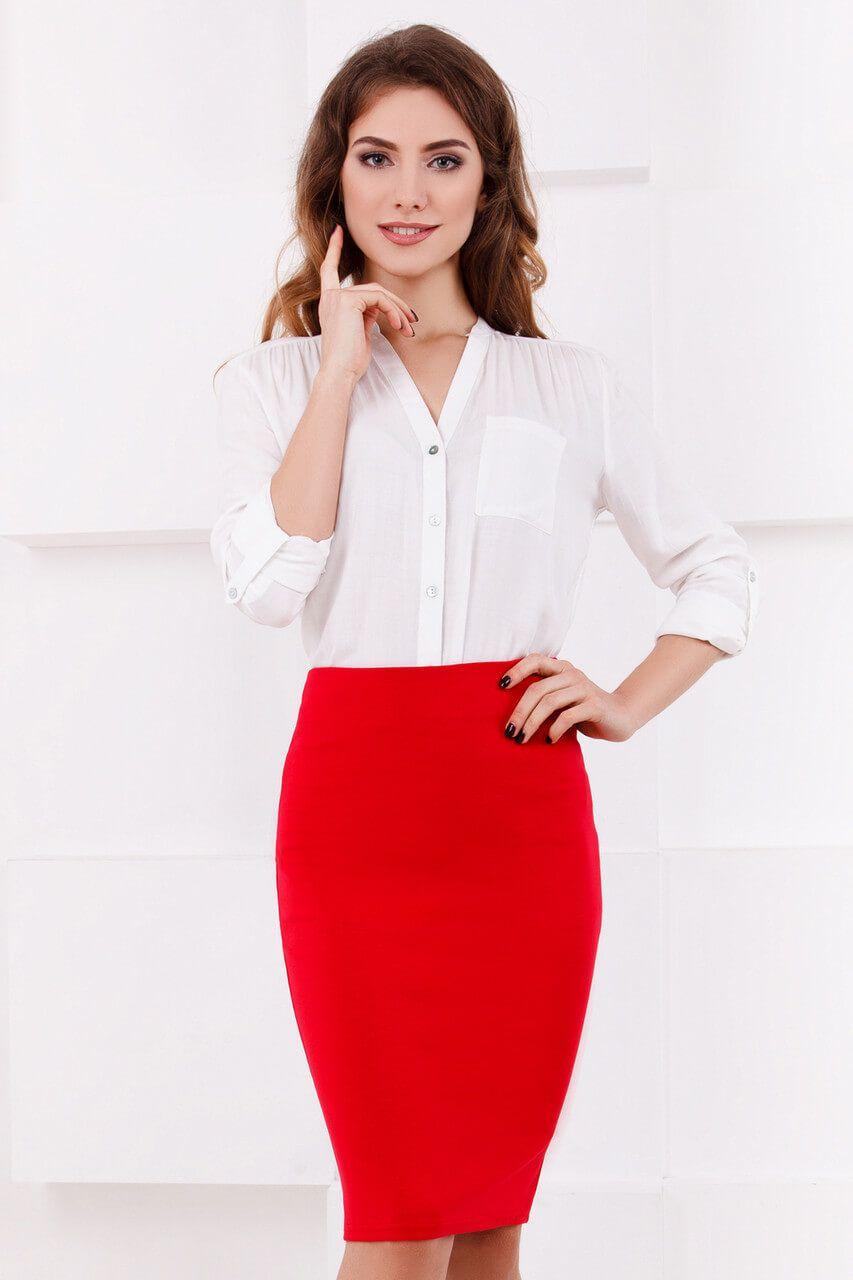 Красная юбка с белым верхом