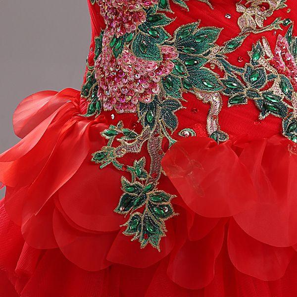 Вышивка бисером красного платья