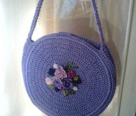 Фиолетовая круглая сумка крючком