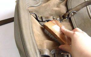 Чистим кожаную сумку