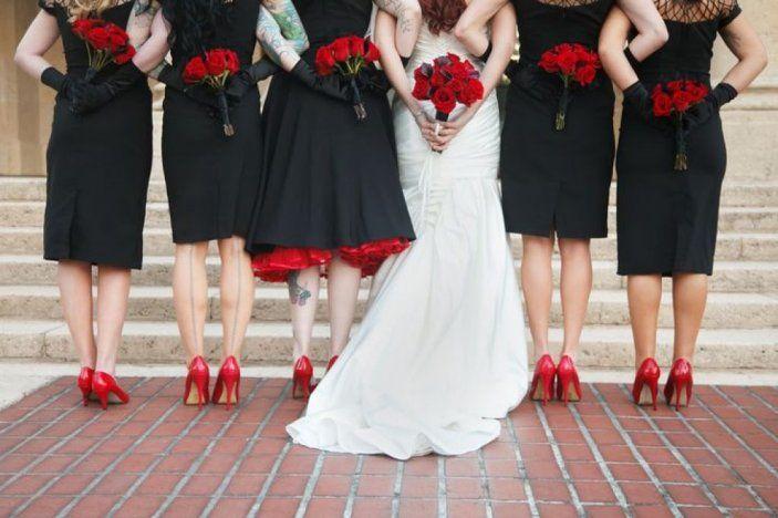 чёрное платье на свадьбе