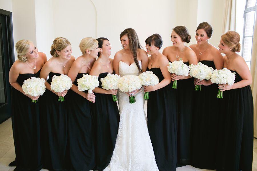 черное платье на подружках невесты