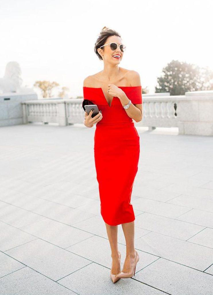 красное платье и туфли