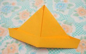 оранжевая пилотка из бумаги