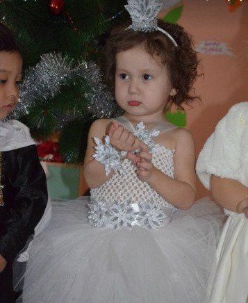 блестящие снежинки на детское платье