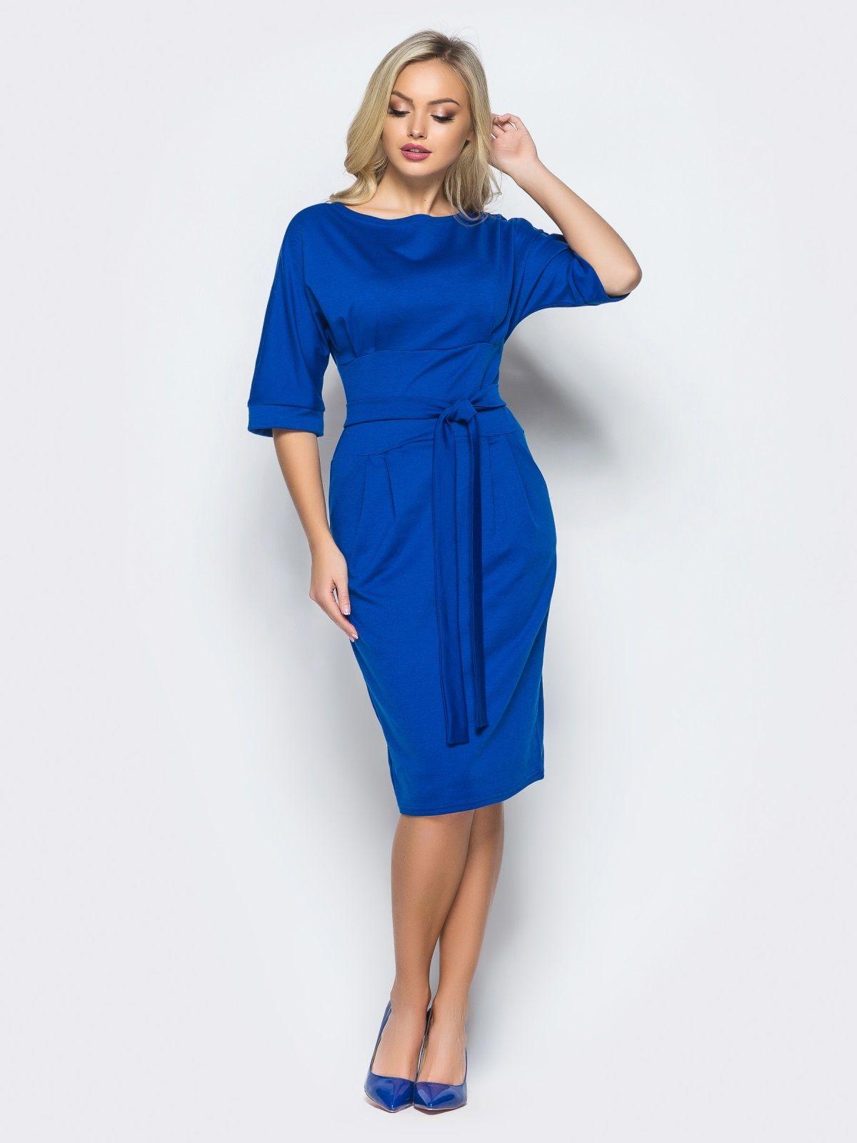 Синее платье из трикотажа