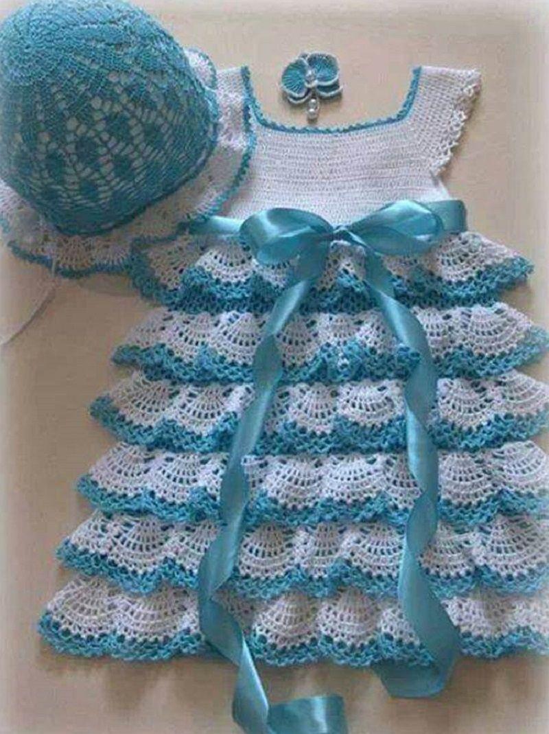 Бело-голубое новогоднее платье с цепчиком