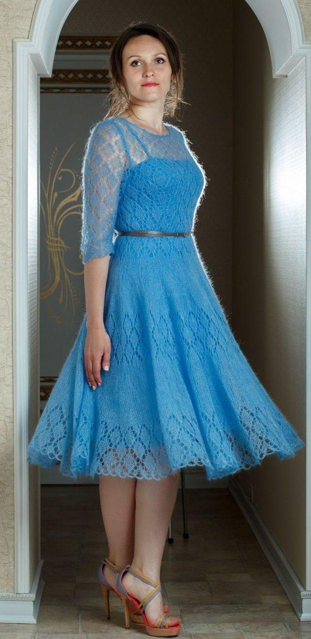 Нежно-голубое платье из мохера