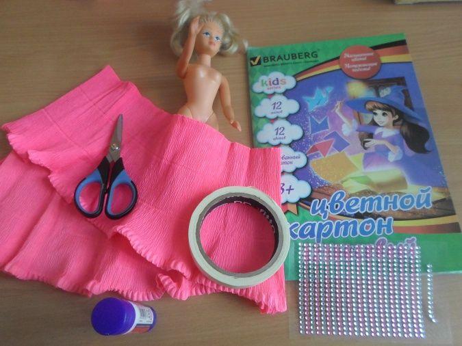КАк сделать наряд для куклы из гофрированной бумаги
