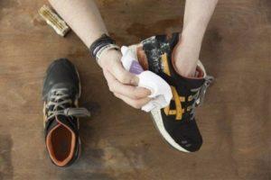 чистка замшевых кроссовок в домашних условиях