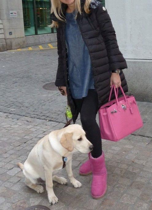розовые сапоги в тон с сумкой