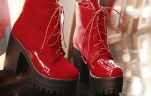 красные ботильоны на грубой подошве