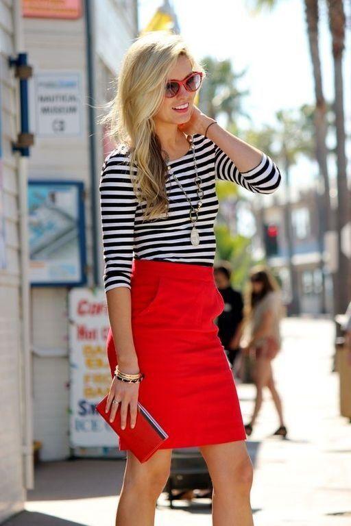 Красная юбка с карманами